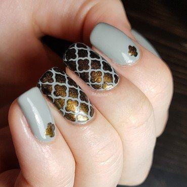 Classy quatrefoil nails nail art by Emmelie Slotboom
