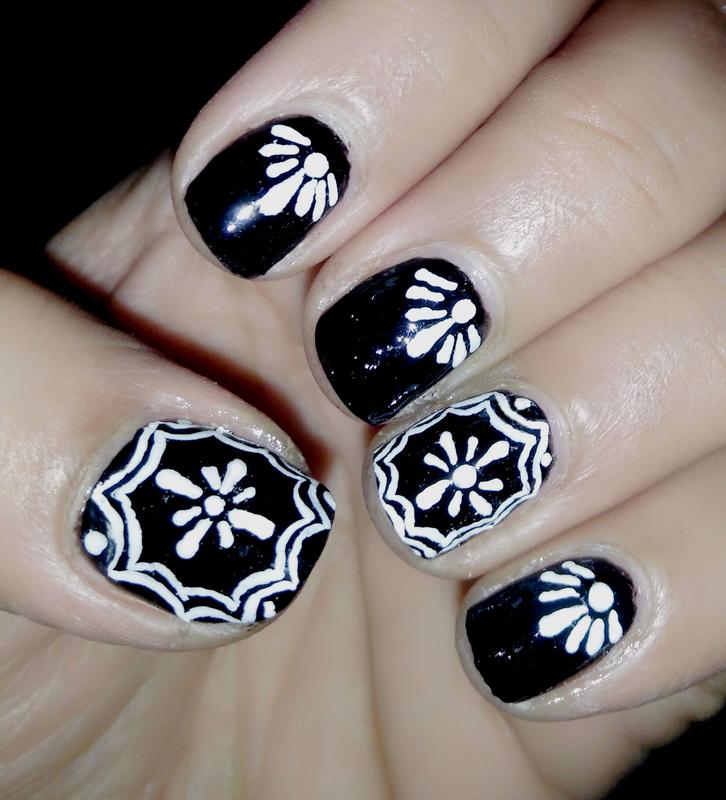 Black And White nail art by Nailfame