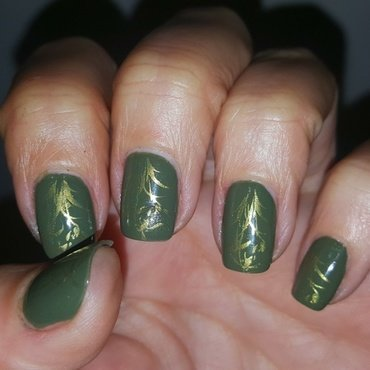 Green & Gold nail art by Katarinna