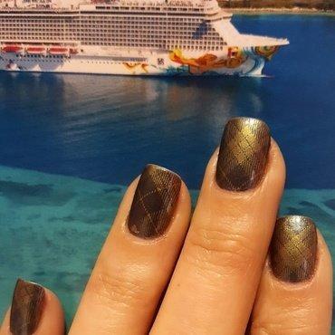 Grey & Gold nail art by Katarinna