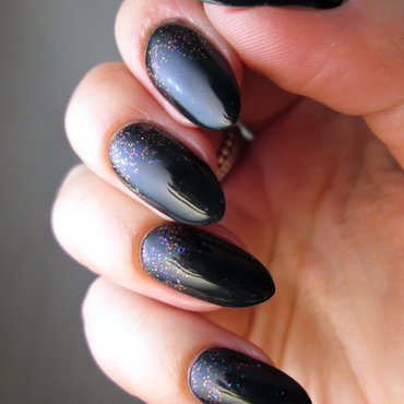 Dark green and glitter nail art by Yenotek