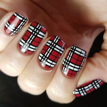 Red, black and white tartan nail art by Emmelie Slotboom