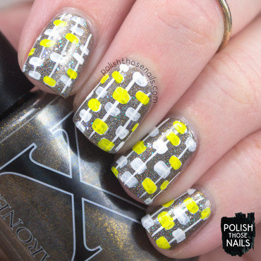 Neutral holo irisdecent 80s retro pattern nail art 4 thumb370f