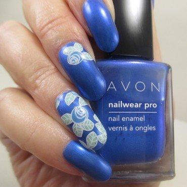 Blue Roses nail art by NinaB
