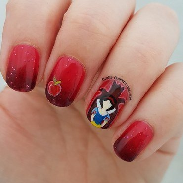 Snow white and the Evil queen nail art by Funky fingers nail art