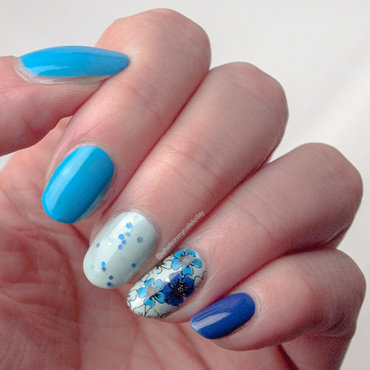 Accents blue and blue floral instagram thumb370f