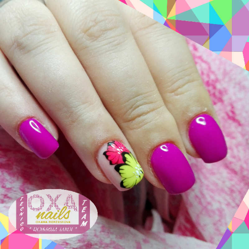Summer neon nail art by Rossella Landi