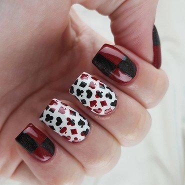 Playing card nails nail art by Emmelie Slotboom