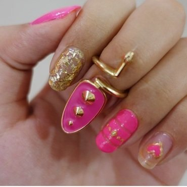 Glam Nails nail art by Samia Tehreem