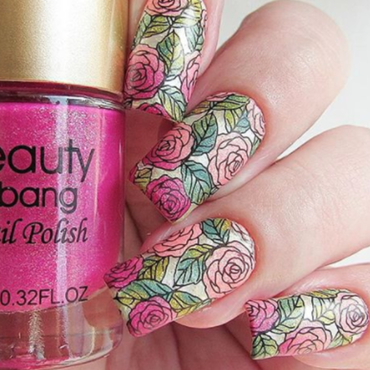 Beautiful red  rose nails from beauty bigbnag nail art by beautynailpolish