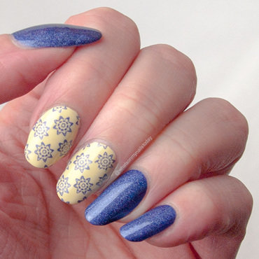 #52weeknailchallenge - week 24: Blue + Yellow nail art by What's on my nails today?