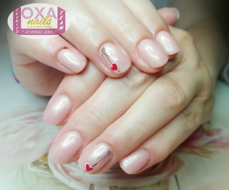 Little heart nail art by Rossella Landi