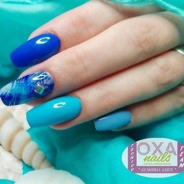 Gradient nail art by Rossella Landi