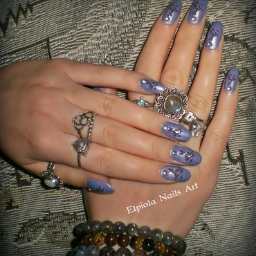 Iris Tectorum flowers nails  nail art by Elpiola Lluka