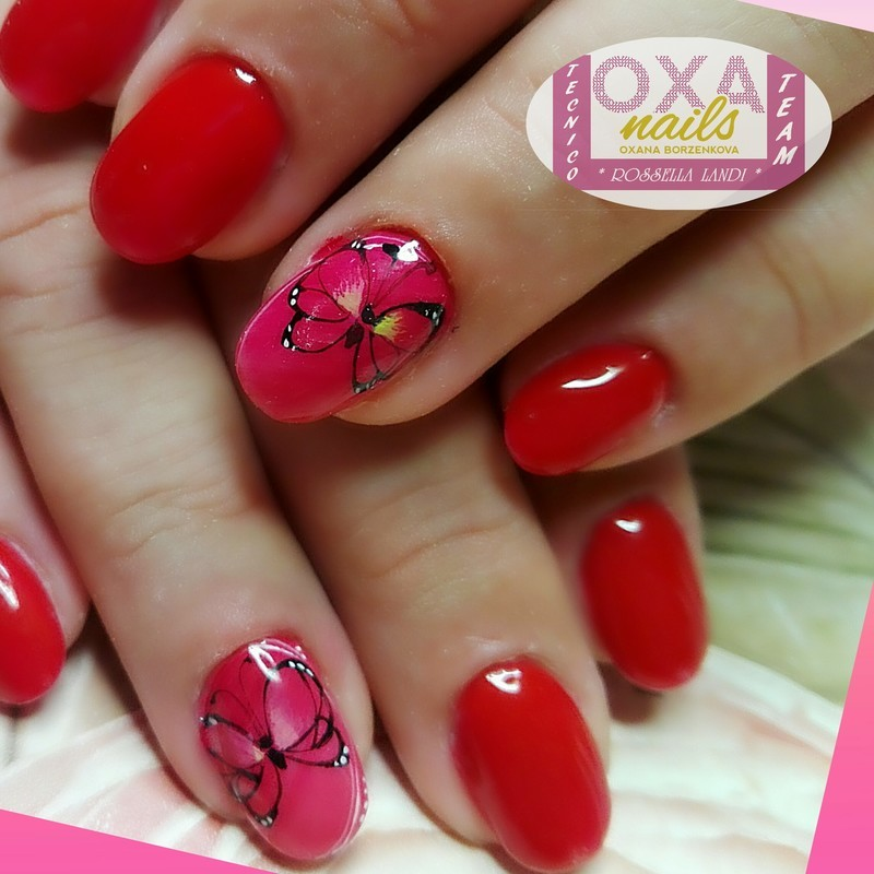 Little butterfly2 nail art by Rossella Landi