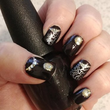 Dark Purple Delight nail art by Jill Thompson