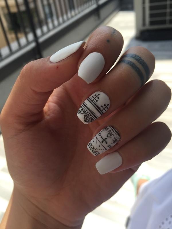 Black&White nail art by Pelinkovacc
