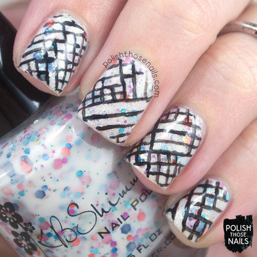 White glitter sparkle black geometric pattern nail art 4 thumb370f