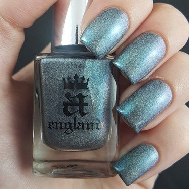 A-England Captive Goddess Swatch by Emmelie Slotboom