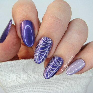 Lavender swirls nail art by Nail Crazinesss