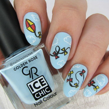 Up in the sky nail art by Nail Crazinesss