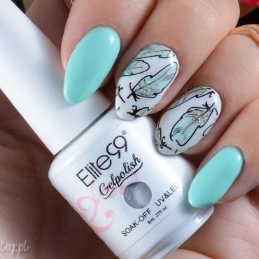 Mint feathers nail art by Jadwiga