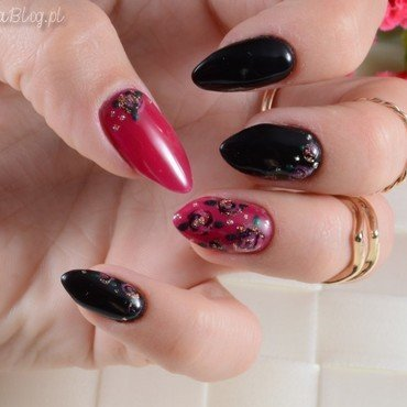 Roses nail art by Jadwiga