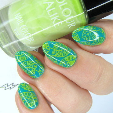 Monstera leaves nail art by Nail Crazinesss