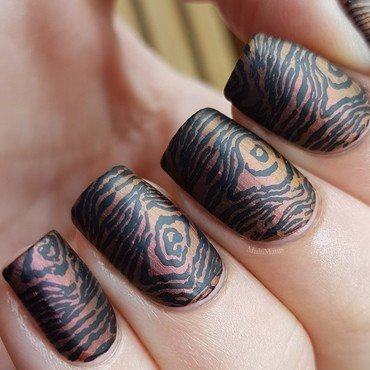 Wood stamping nail art by Emmelie Slotboom