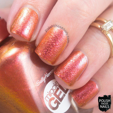 Sally hansen sundown socialite bronze duochrome swatch 3 thumb370f