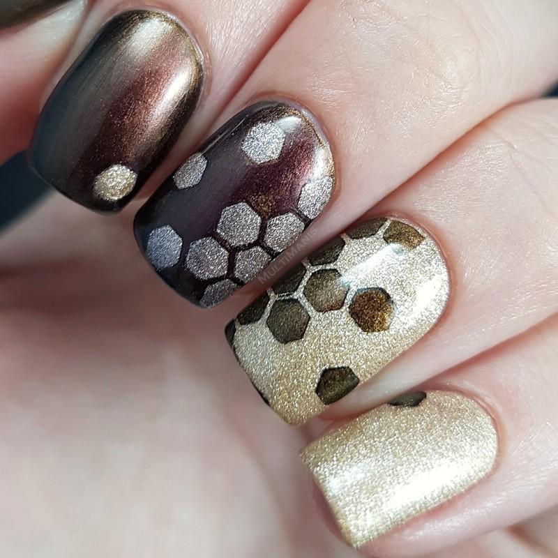 Gold hexagons nail art by Emmelie Slotboom