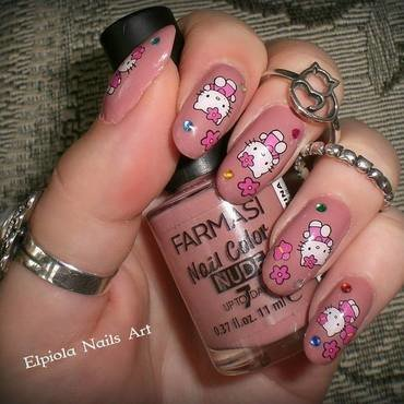 Hello Kitty nail art by Elpiola Lluka