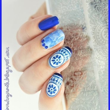 Blue nail art by ELIZA OK-W