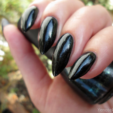 China Glaze Smoke & ashes Swatch by Yenotek