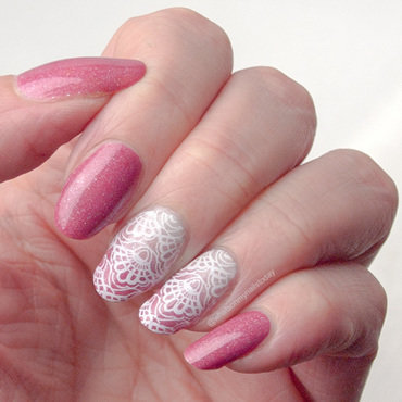 #52weeknailchallenge - week 40: White + Pink nail art by What's on my nails today?