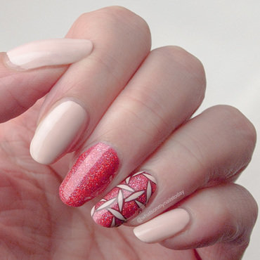 Linked coral & peach nail art by What's on my nails today?