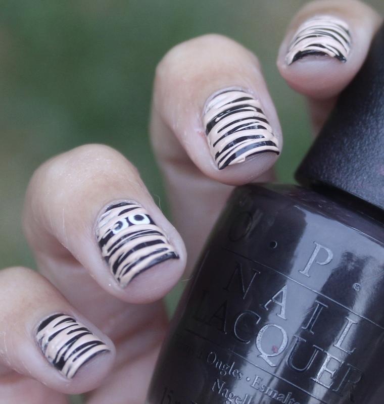 Halloween Mummy Sugar-Spin nail art by Monica