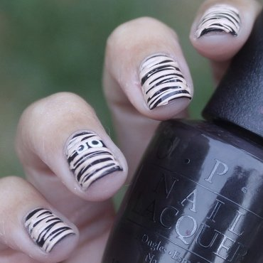 Halloween Mummy Sugar-Spin nail art by Monica