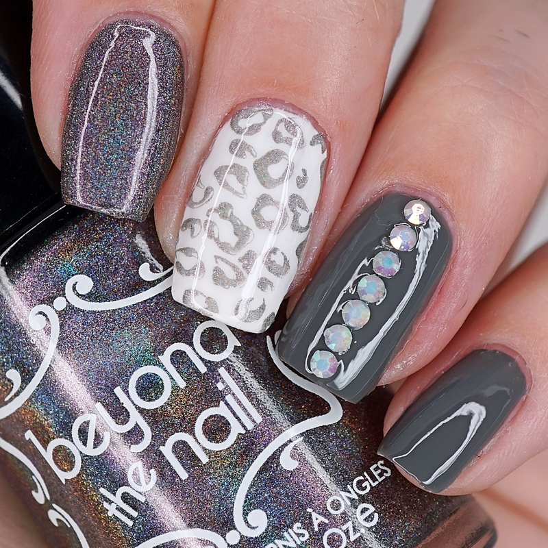 HOLOGRAPHIC CHAMELEON LEOPARD PRINT NAILS nail art by Maddy S
