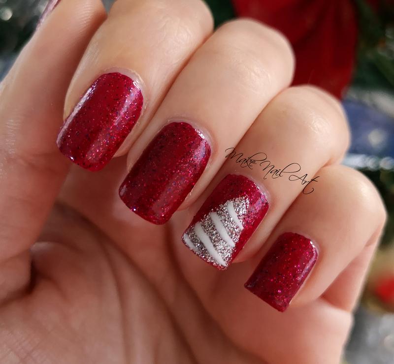 Christmas Tree nail art by Make Nail Art