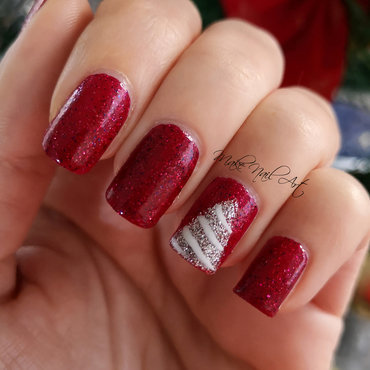 Christmas Tree nail art by Make Nail Art