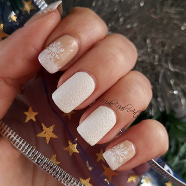 Snowflakes nail art by Make Nail Art