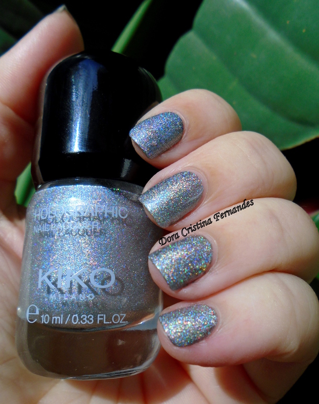 kiko holographic Silver 001 Swatch by Dora Cristina Fernandes