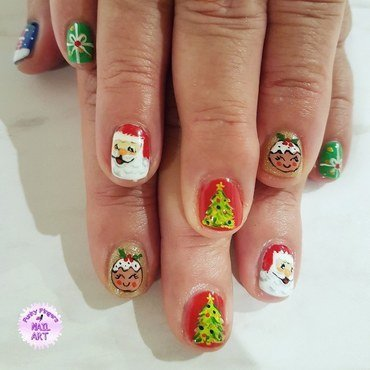 Cute Christmas nails nail art by Funky fingers nail art