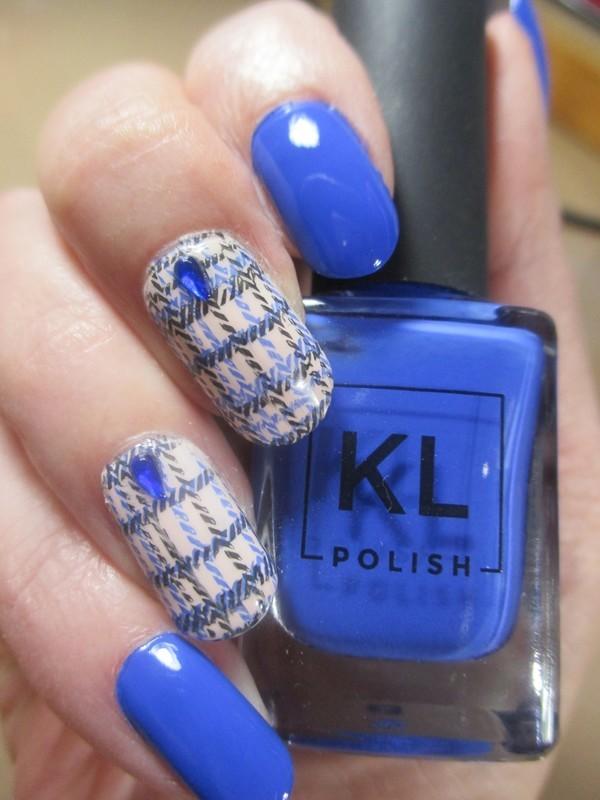 Blue Plaid nail art by NinaB