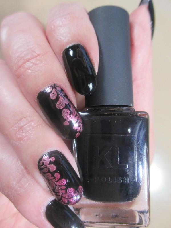 Black & Chrome nail art by NinaB