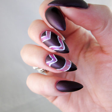 Violet matte negative space nail art by Yenotek