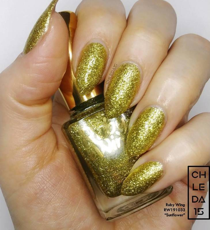 "Ruby Wing RW191033 ""Sunflower"" Swatch by chleda15"