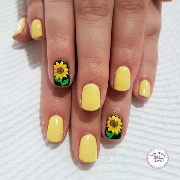 Sunflowers nail art by Funky fingers nail art