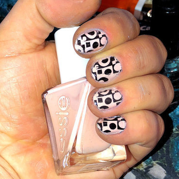 Modern Abstract nail art by FRANCESCA SPORTELLA